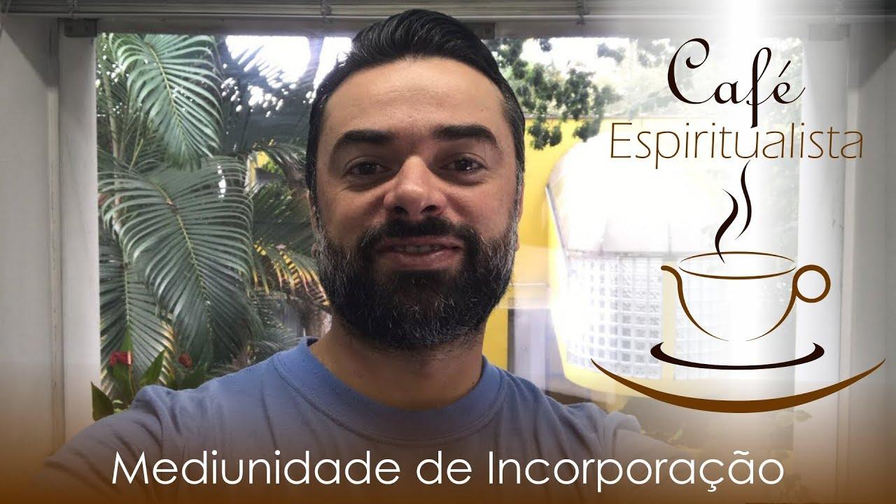 Daniel Souza apresentando o café espiritualista